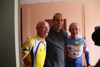 Alain et Gilbert avec le parrain de l'événement, Jean-Luc Crétier