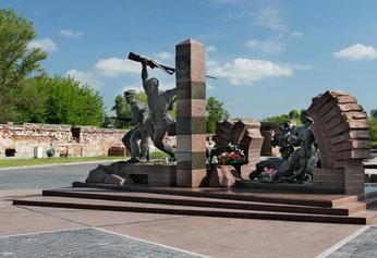 Памятник героям-пограничникам у Тереспольских ворот