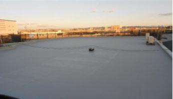 鋼製屋根に防錆剤CCP-117を塗布し錆劣化を防ぎ、熱交換塗料を上塗り長寿命化と温度低減