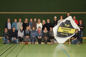 das Foto zeigt einige von vielen Helfern und Organisatoren des Neujahrsturniers