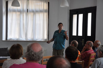 Ralf Mäkert vom NABU-Naturschutzinstitut Leipzig gab Tipps zum Biotopschutz. Foto: NABU Plaußig-Portitz