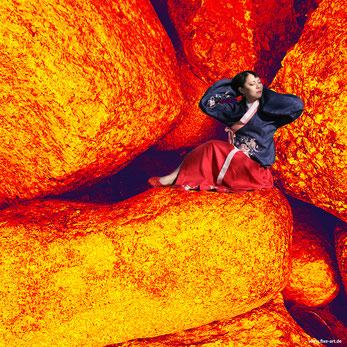 Feuerfrau . 2020 . Fotomontage