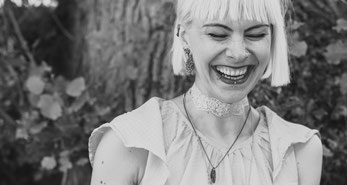 """Ohrringe aus der Serie """"Good Girl"""" von Caroline Ertl"""
