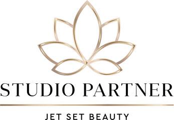 Wir arbeiten mit den hochwertigen Produkten von der Firma Jet Set Beauty