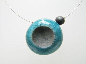 bijou ceramique collier raku bleu