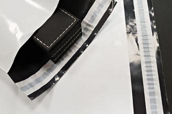 Bolsas de Plástico Opaco con Cierre Adhesivo