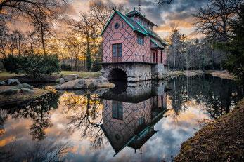 Chinesisches Teehaus im Oranienbaumer Schlosspark, aus Bildband Dessau-Wörlitzer Gartenreich
