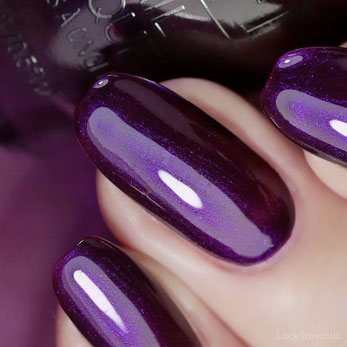OPI • Let's Take an Elfie (HR M09) • Shine Bright Collection (Holiday 2020)