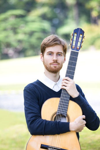 Alexander Galaganov (アレクサンドル ガラガノフ)  ギター