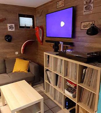 L'espace vinyles de Custom Culture Shop Belgium