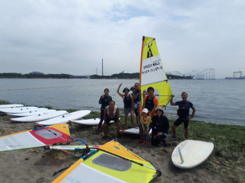 ウインドサーフィン 海の公園 スピードウォール 神奈川 横浜 初心者 体験 スクール