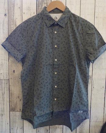 QSシャツ 細身でカッコいいですよ。¥7,000+Tax