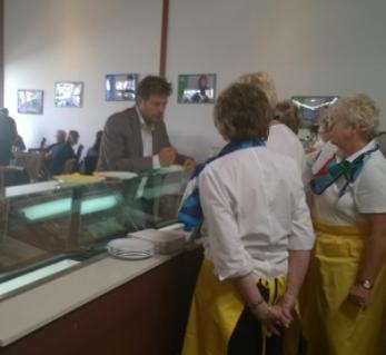 auch Minister Habeck schmeckte die LandFrauen-Torte!