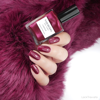 NAILBERRY • MYSTIQUE RED