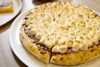BBQ マシュマロチョコピザ