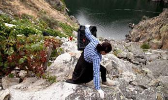 """イギリスの新聞""""Daily Mail""""で、D.O.リベイラ・サクラの凄まじいぶどう栽培の様子を紹介 (www.vinetur.com)"""