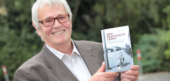 """Dieter Kaspers liest aus seinem Roman """"Zwei geschenkte Leben"""" (WAZ-Foto: Michael Dahlke)"""