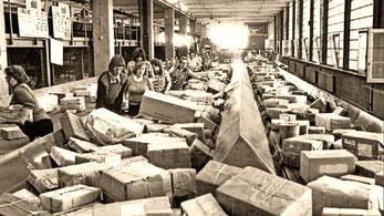 Paket-Kontroll- u. Verteilerstelle der Deutschen Post, um 1960. Sammlg. Schönfuß