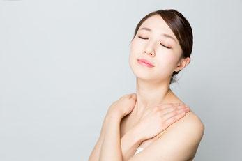 エクシートクリームは無香料・無着色・石油系化合物不使用・パラベンフリー