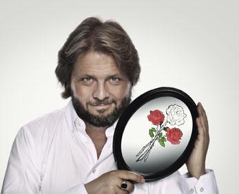 Portrait mit Rosenspiegel - Christian Knudsen, Zauberer in Hamburg