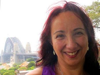 Sandra - im Hintergrund die berühmte Harbour-Bridge
