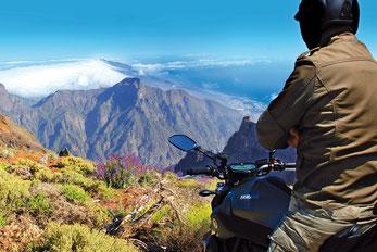 Motorrad fahren auf La Palma bei bestem Wetter im Sommer sowie im Winter
