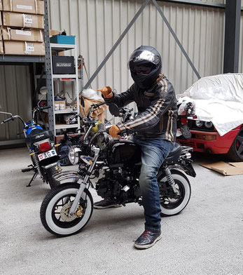 Minibike Skyteam Skybongo Gorilla schwarz black Weisswandreifen Honda Gorilla Honda Monkey Honda Dax