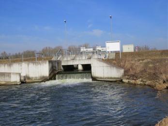 Bild: Auslaufbauwerk bei Neustadt a.d. Donau (H. Wolf)