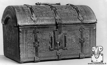 ancient  trunk old wood lv