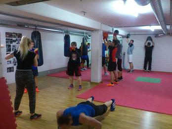 Gruppe Fitnessboxen - Parcours, Juni 2017 @ M's-Gym Bern Ittigen