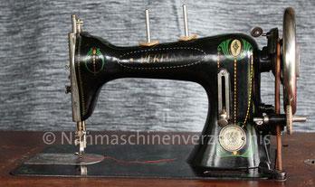 Veritas K, Flachbett-Nähmaschine, Geradestich, CB-Greifer, Fußantrieb, hergestellt in den 20er Jahren, Hersteller: Clemens Müller, Dresden (Bilder: S. Becker)