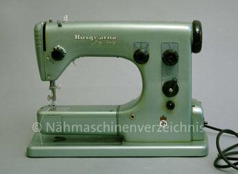 Husqvarna 19E, Zickzack-Haushaltsnähmaschine, Freiarm mit Einbaumotor, Hersteller: Husqvarna Viking, Schweden (Bilder: Wolfgang Siegel)