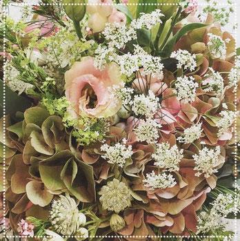 Herbstlicher Brautstrauß mit Hortensie