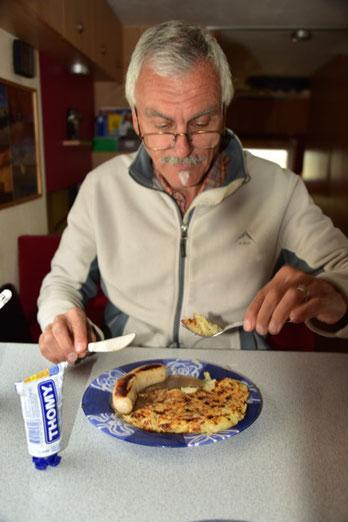 Rösti mit CH-Bratwurst