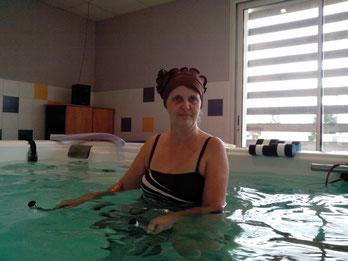 bonnet porté en piscine
