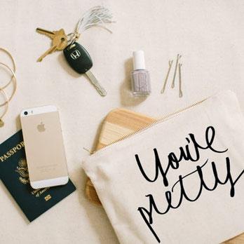 сумочка для макияжа - подарок подружкам невесты
