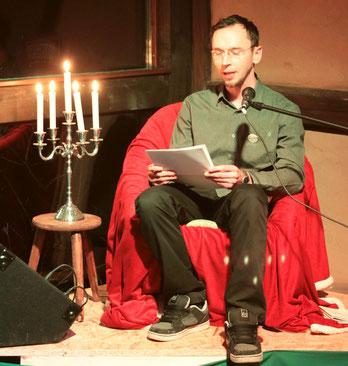 Johannes Lange liest auf dem Spielmannshof Seitenroda