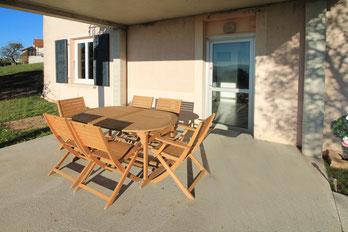 La terrasse du Gîte De Giron à Giron dans l'Ain