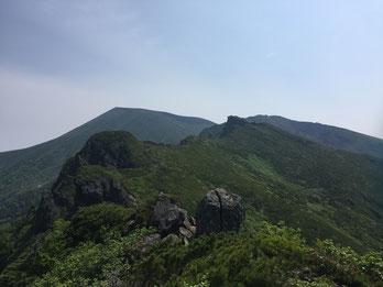 ほぼずっと山頂は見えているのですが先はまだまだ長い・・・。
