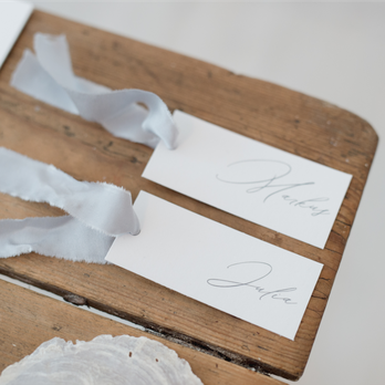 clean wedding Hochzeitspapeterie Namensschild
