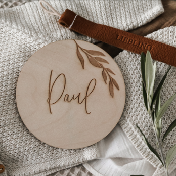 Namensschild aus Holz personalisiertes Geschenk zur Geburt
