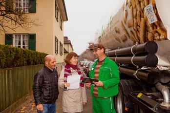 Pellethändler mit ENplus-Zertifikat sorgen für eine schnelle und schonende Anlieferung des Premium-Brennstoffs und bieten Kunden eine fundierte Beratung. Foto: DEPI, Berlin