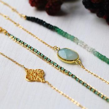 Wunderschöne zierliche, vergoldete oder versilberte verstellbare Armbänder mit Edelsteinen in unterschiedlichsten Farben und Varianten. Ob im Sommer oder im Winter, sie sind für jedes Outfit ein Highlight.