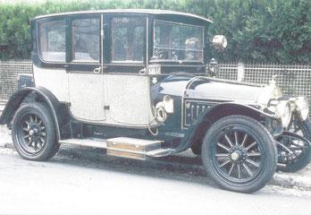 """Een Cottin & Desgouttes type D 16 CV """"reislimousine"""" uit 1912 met een koetswerk van Bail Jeune uit Parijs."""