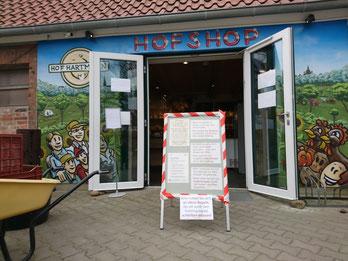 Bild Hofshop-Eingang mit Corona-Regeln