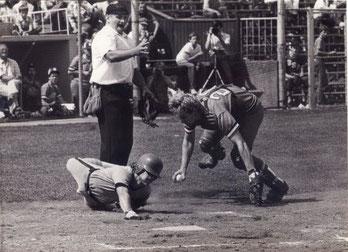 Nella foto una bella immagine dell'umpire Spocci