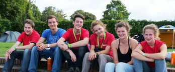 Junge Erwachsene aus einer NAJU-Jugendgruppe