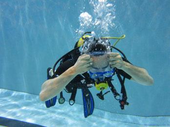 Ah le vidage de masque... Toujours un grand plaisir dans l'eau chlorée...