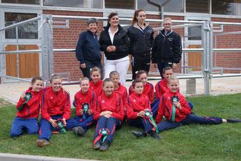 v.l. Iris Schlobach, Alexandra Göler und das Saarburger Team