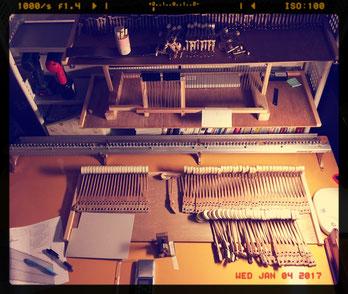 古川ピアノのピアノ修理工房 新設した作業机とパーツ保管棚